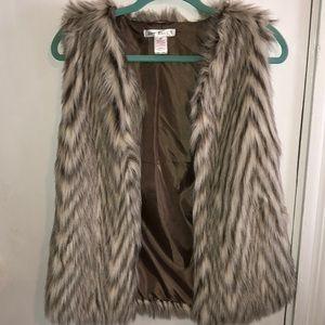 Faux fur vest size M